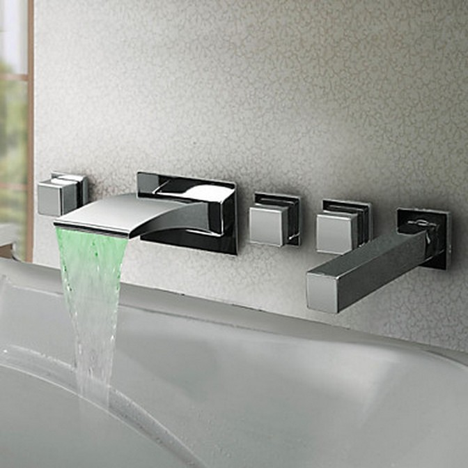 Thermochromic Contemporary Chrome Finish LED Waterfall Bathroom Tub Tap T8043