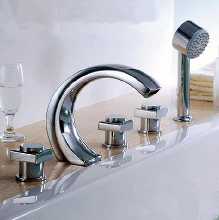 New Chrome Finished Widespread Tub Tap with Hand Shower BT0450
